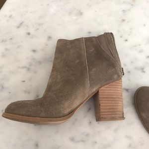 Urbdan outfitters booties